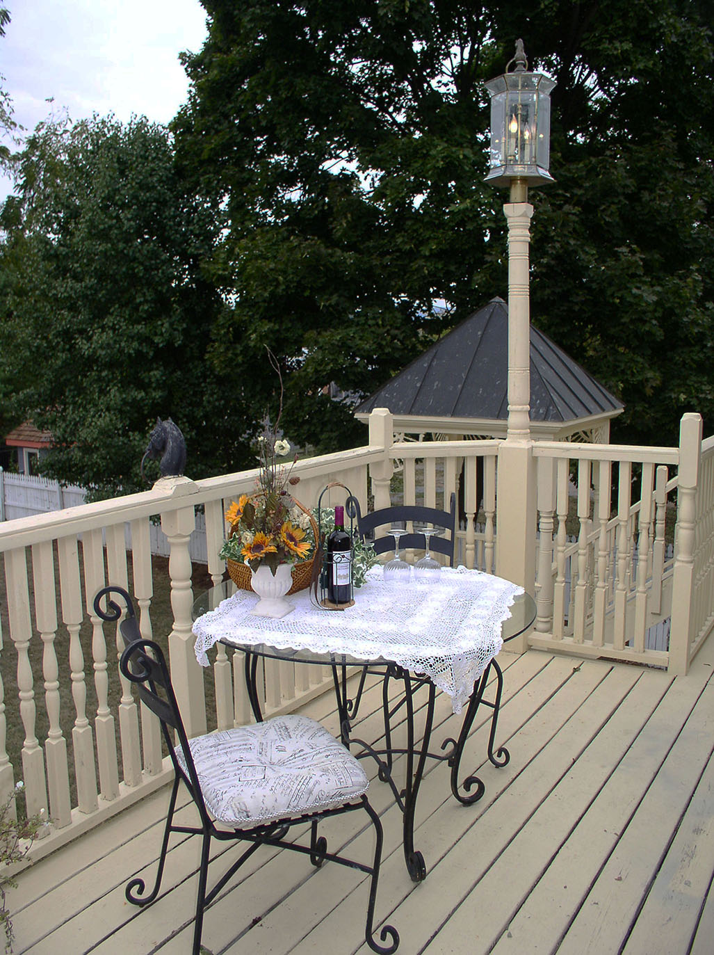 Willow-balcony2.jpg